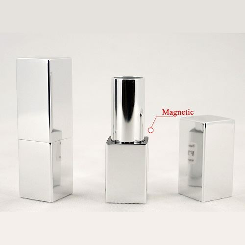 Lipstick magnetic closure